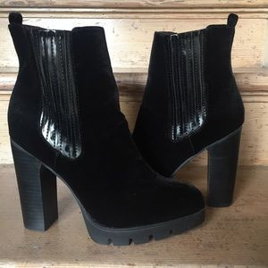 Report Signature Women's Polk Chelsea Velour Boot